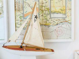 The Hideout - Kent & Sussex - 1080901 - thumbnail photo 13