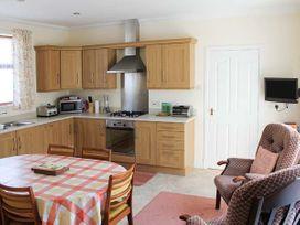 Gracemount - Scottish Lowlands - 13672 - thumbnail photo 3