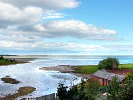 Budle Cove - Northumberland - 2101 - thumbnail photo 9