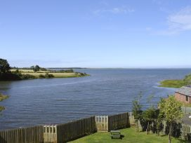 Budle Cove - Northumberland - 2101 - thumbnail photo 8