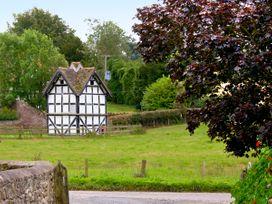 Holly Bush - Herefordshire - 2215 - thumbnail photo 10