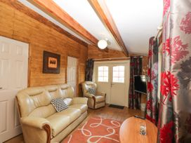 The Log Cabin - Somerset & Wiltshire - 22948 - thumbnail photo 10