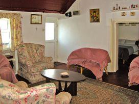 Carthy's Cottage - South Ireland - 3715 - thumbnail photo 3