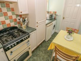 Clover Cottage - South Wales - 4202 - thumbnail photo 8