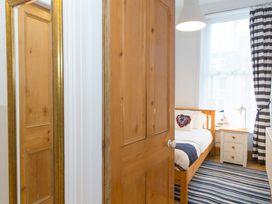 6 Abbey Terrace - Whitby & North Yorkshire - 4281 - thumbnail photo 18