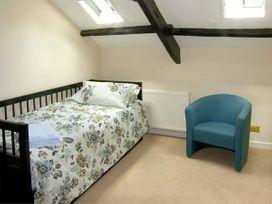 Pencoed Cottage - South Wales - 6954 - thumbnail photo 8