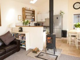 Brook Cottage - Whitby & North Yorkshire - 8634 - thumbnail photo 2