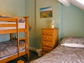 Halford Hill - North Wales - 884 - thumbnail photo 14