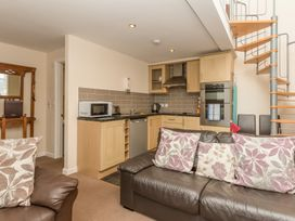 Bede Apartment - Northumberland - 904062 - thumbnail photo 5