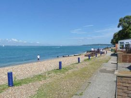West Sea View No 5 - Isle of Wight & Hampshire - 905105 - thumbnail photo 7