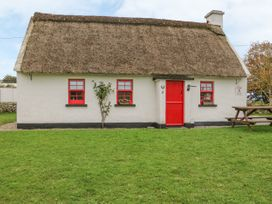 No. 11 Lough Derg Thatched Cottage - South Ireland - 915743 - thumbnail photo 1