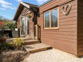 Woodmancote Lodge - Kent & Sussex - 916403 - thumbnail photo 1