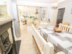 Burford House - Isle of Wight & Hampshire - 917394 - thumbnail photo 16