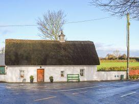 High Nelly Cottage - East Ireland - 923044 - thumbnail photo 1