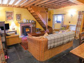 High Nelly Cottage - East Ireland - 923044 - thumbnail photo 3