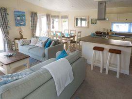 Cwtch Lodge 42 - South Wales - 924630 - thumbnail photo 4