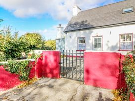Julie's Cottage - County Kerry - 925755 - thumbnail photo 2