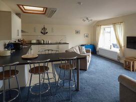 Hyfrydle Apartment - Anglesey - 927582 - thumbnail photo 5