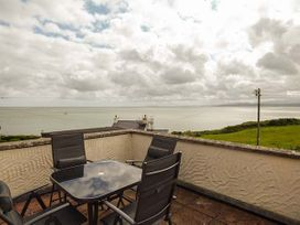 Hyfrydle Apartment - Anglesey - 927582 - thumbnail photo 11