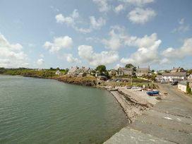 Hyfrydle Apartment - Anglesey - 927582 - thumbnail photo 12