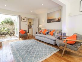 Studio Cottage - Kent & Sussex - 932476 - thumbnail photo 4