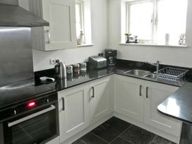 Cobbler's Cottage - Whitby & North Yorkshire - 936135 - thumbnail photo 4