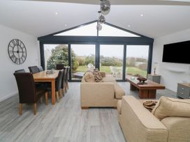 Lake View Cottage - Anglesey - 936370 - thumbnail photo 2