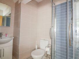 Apartment 1, Trearren - Cornwall - 936481 - thumbnail photo 11