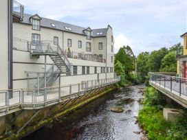 Central Ardara Riverside Apartment - County Donegal - 939487 - thumbnail photo 1
