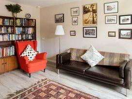 The Kate Kennedy Apartment - Scottish Lowlands - 940959 - thumbnail photo 3