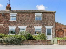 Whinhill Cottage - Whitby & North Yorkshire - 944473 - thumbnail photo 1