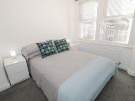 Apartment 56 - North Wales - 951023 - thumbnail photo 16