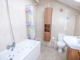Ty Llwyd - South Wales - 954386 - thumbnail photo 22
