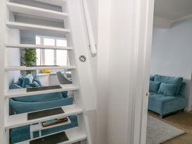 Seaview Apartment - Devon - 958086 - thumbnail photo 7