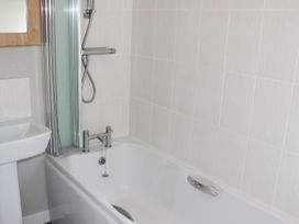 19 Wentworth Drive - Central England - 958857 - thumbnail photo 12