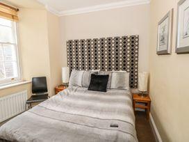 Apartment 2 - South Wales - 966446 - thumbnail photo 7
