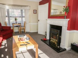 Cherry Tree Cottage - Whitby & North Yorkshire - 967115 - thumbnail photo 3