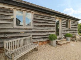 The Old Cart Shed - South Coast England - 967949 - thumbnail photo 1