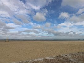 Sea Glimpses - Isle of Wight & Hampshire - 967997 - thumbnail photo 28