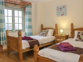 Orchard cottage - Mid Wales - 969925 - thumbnail photo 9