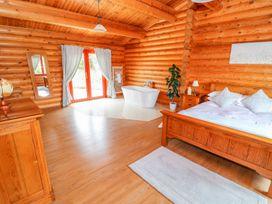 Cedar Lodge - Lincolnshire - 972997 - thumbnail photo 19