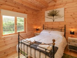 Sunnyside Lodge - Somerset & Wiltshire - 976874 - thumbnail photo 15