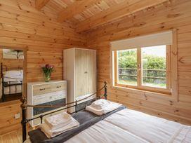 Sunnyside Lodge - Somerset & Wiltshire - 976874 - thumbnail photo 16