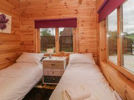 Sunnyside Lodge - Somerset & Wiltshire - 976874 - thumbnail photo 17