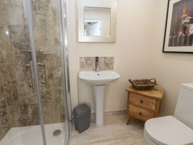 The Promenade Suite - North Wales - 979423 - thumbnail photo 15