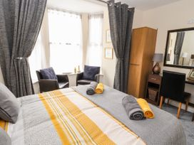 The Promenade Suite - North Wales - 979423 - thumbnail photo 10