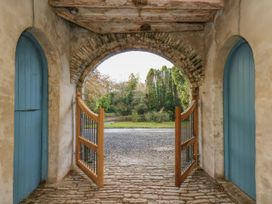 The Old Carriage Court - South Wales - 984473 - thumbnail photo 34