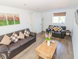 Grove Cottage - South Wales - 985583 - thumbnail photo 3