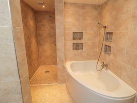 Apartment 6 - Whitby & North Yorkshire - 9865 - thumbnail photo 11
