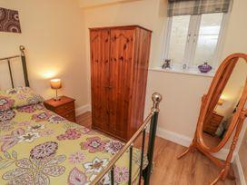 Apartment 6 - Whitby & North Yorkshire - 9865 - thumbnail photo 9
